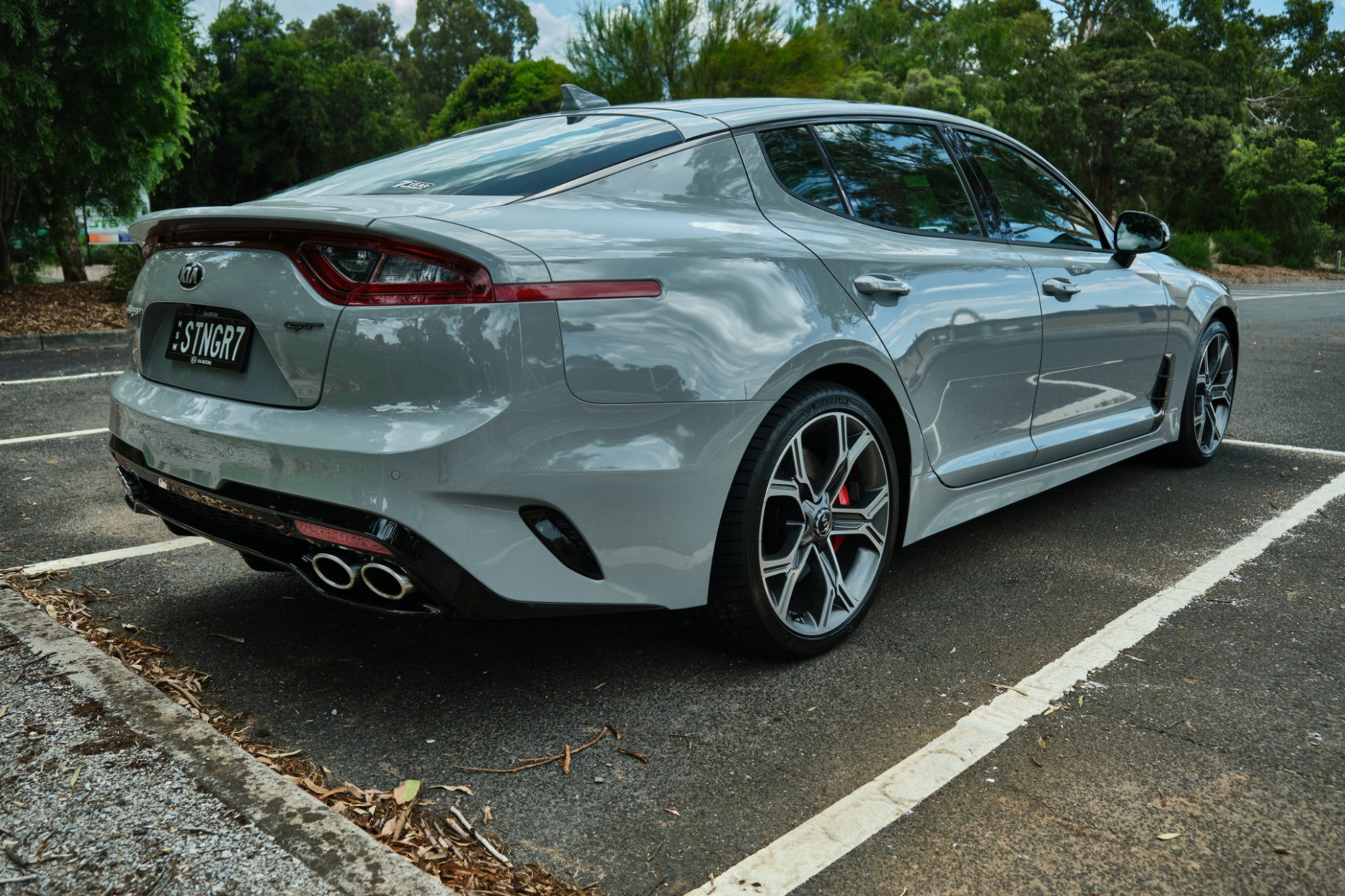 Specs and Review 2022 Kia Stinger Gt