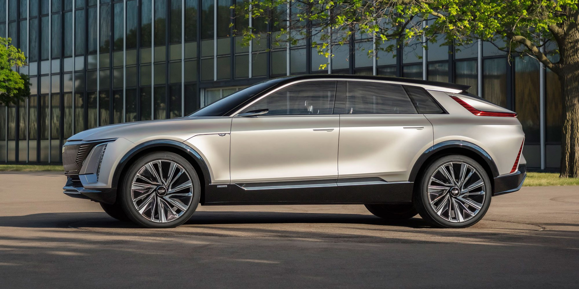 Overview Cadillac Midsize Suv 2022